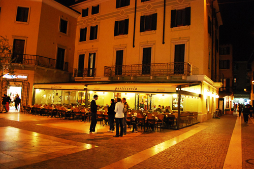 Cafe Bardolino Nacht Gardasee